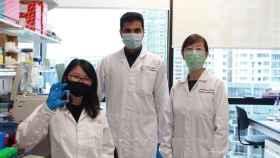 El equipo de investigadores de la Nanyang Technological University que ha desarrollado la nanocápsula de insulina