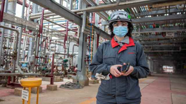 Esther González, la directora de la planta química de Cepsa en Palos de la Frontera.