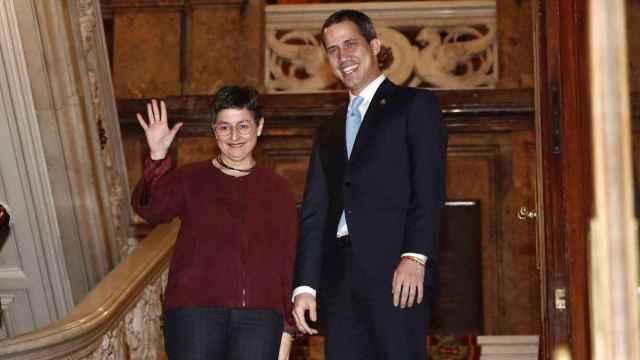 Arantxa González Laya, ministra de Exteriores, junto a Juan Guaidó, presidente encargado de Venezuela, en Madrid.