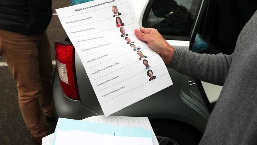 La papeleta con los candidatos.