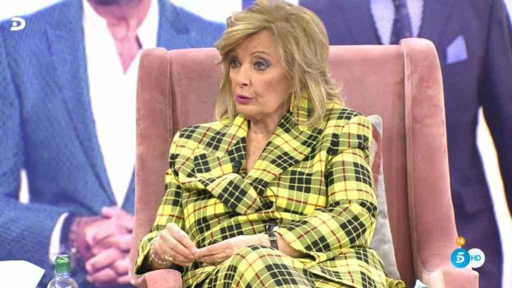 Teresa Campos durante un momento de tensión en la entrevista.