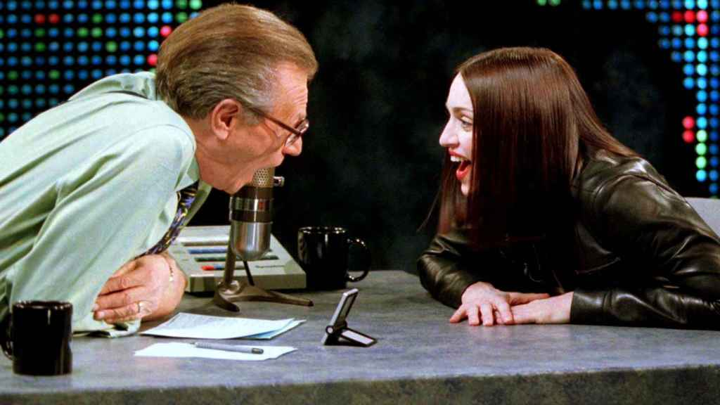 Larry King entrevistando a Madonna en 1999.