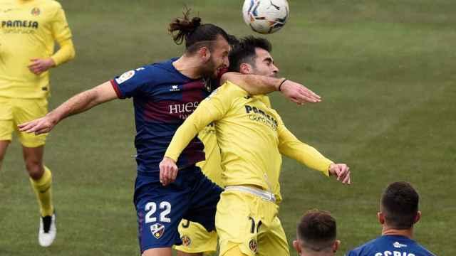 Huesca y Villarreal, durante su duelo en Liga