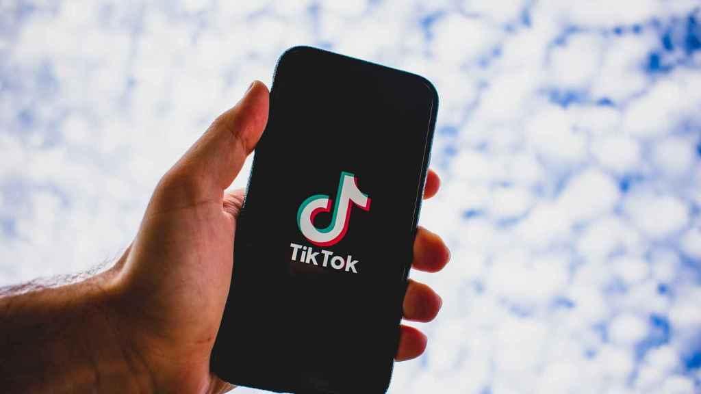 App de TikTok en un teléfono móvil.