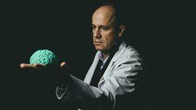 El neurólogo Tomás Segura posa para EL ESPAÑOL.