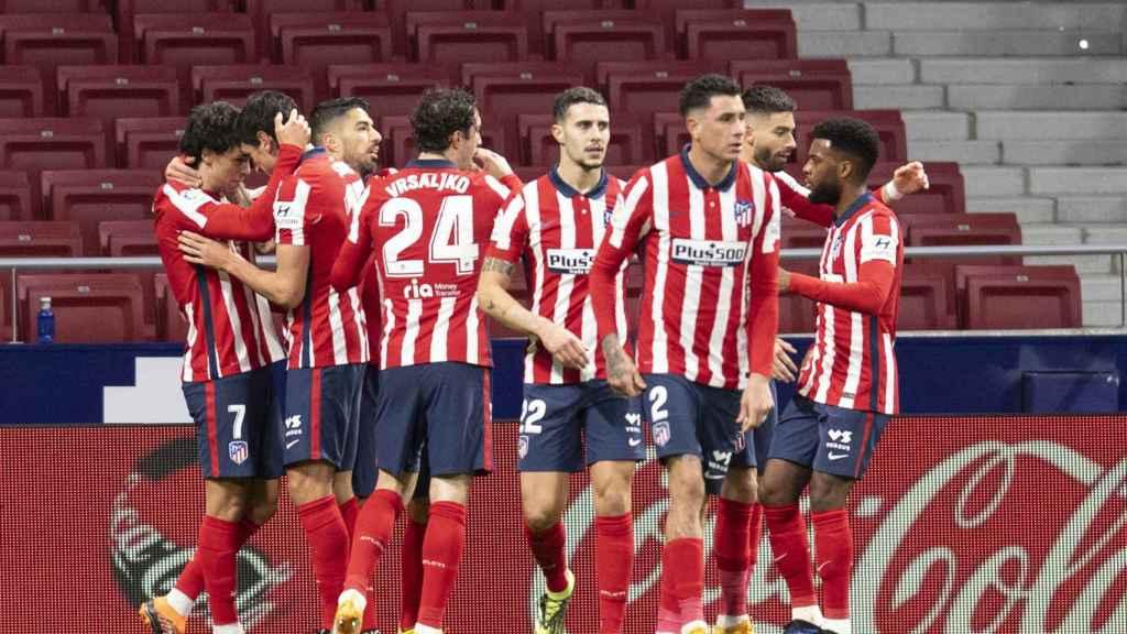 Piña del Atlético tras el gol de Joao Félix