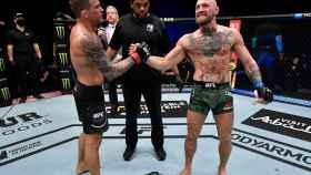 McGregor felicita a Poirier por su victoria