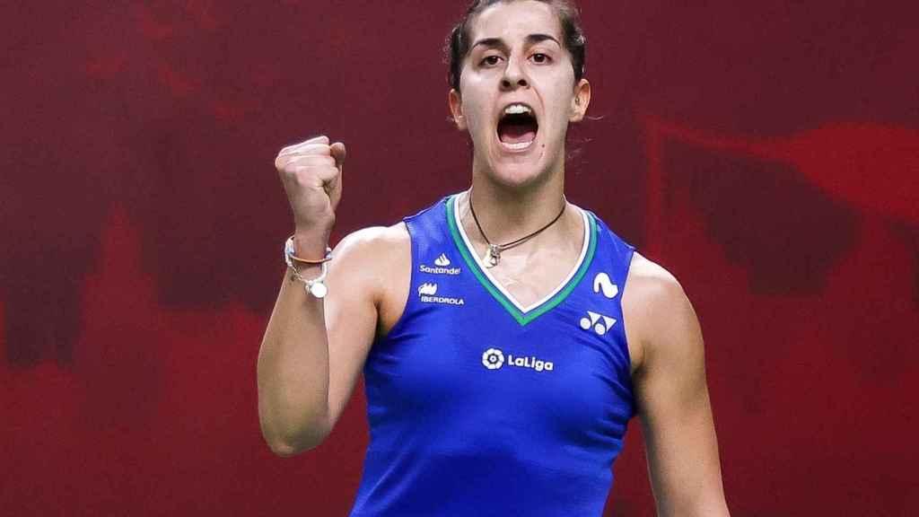 Carolina Marín celebra la victoria en un set