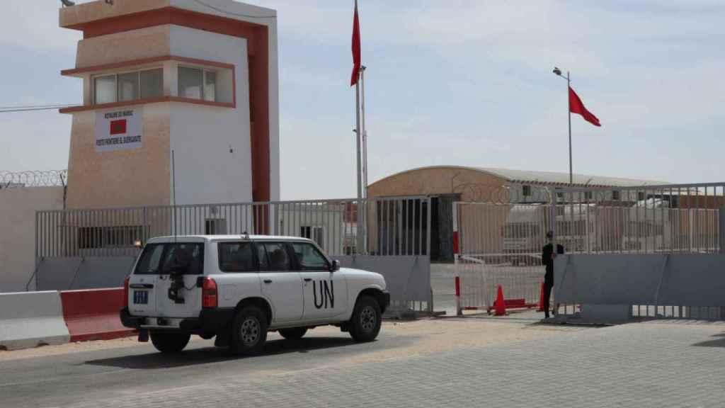 Imagen de archivo de noviembre de 2020 de un todoterreno de la ONU en el puesto fronterizo de Guerguerat.