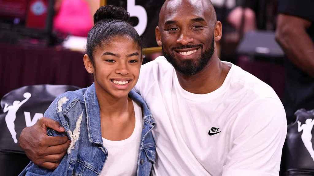 Gianna Bryant y Kobe, durante un evento en 2019