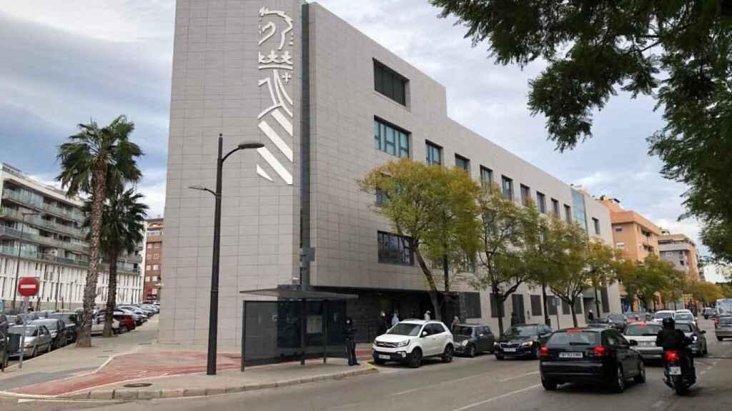 Sede judicial de Paterna en la que Pedro Cortés declaró este lunes como investigado. EE