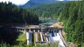 Una gran presa en construcción en EE UU.