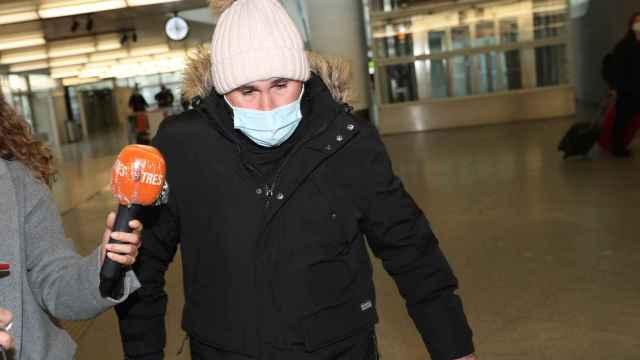 Kiko Rivera llegando a la estación de Atocha en Madrid.