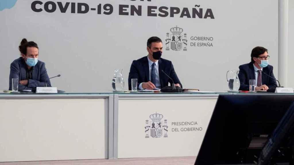 Iglesias, Sánchez e Illa.