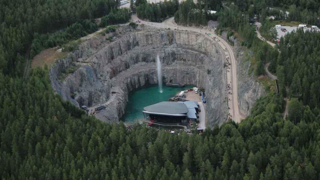 Un yacimiento minero reconvertido en anfiteatro. San José de Valdeflórez lo explotarían durante 30 años.