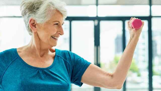 Los ejercicios de fuerza y resistencia benefician por igual a hombres y mujeres en la madurez.