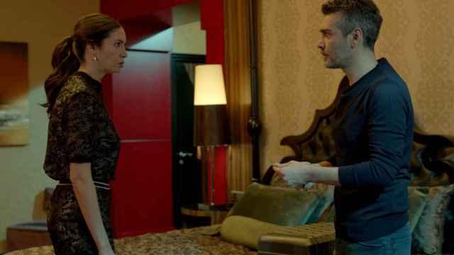 Sarp empieza a sospechar de Piril, en el capítulo 45 de 'Mujer'