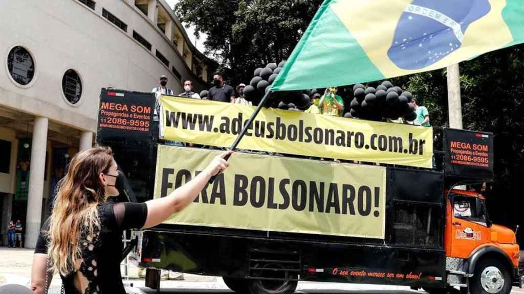 Manifestantes de centro derecha, en contra del presidente de Brasil.