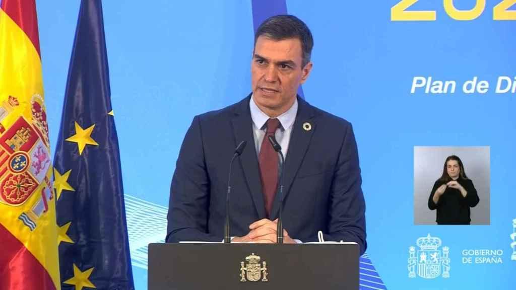 El Presidente del Gobierno, Pedro Sánchez, durante la presentación de los planes de digitalización de Pymes, Administraciones públicas y Competencias Nacionales, en La Moncloa.