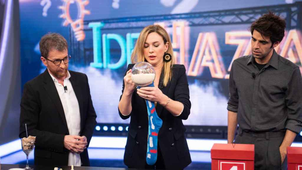 Antena 3 aventaja a Telecinco en prime time con su distancia más grande desde diciembre de 1998