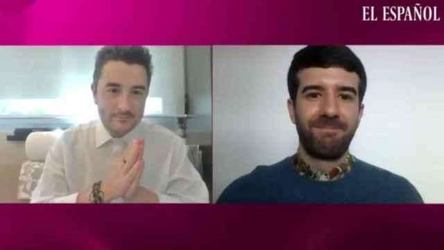 Jesús Carmona y Raúl Rodríguez durante la grabación del 'Kiosco rosa'.