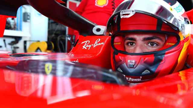 Carlos Sainz Jr. ya conduce un Ferrari: así ha sido su test en Fiorano
