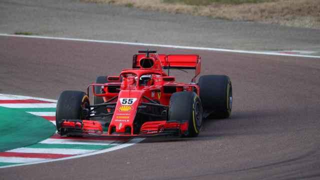 Carlos Sainz Jr. con un Ferrari en Fiorano