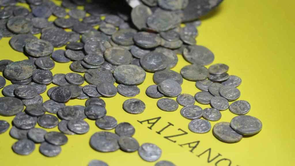 Las 651 monedas halladas en Aizanoi.