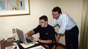 Fernando Alonso y Adrián Campos, en una imagen de archivo