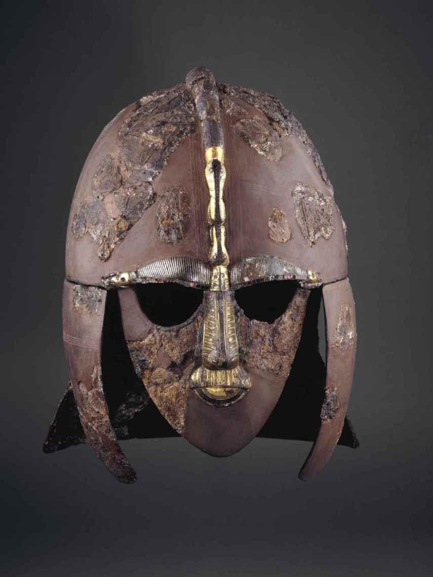 El famoso yelmo reconstruido de Sutton Hoo.
