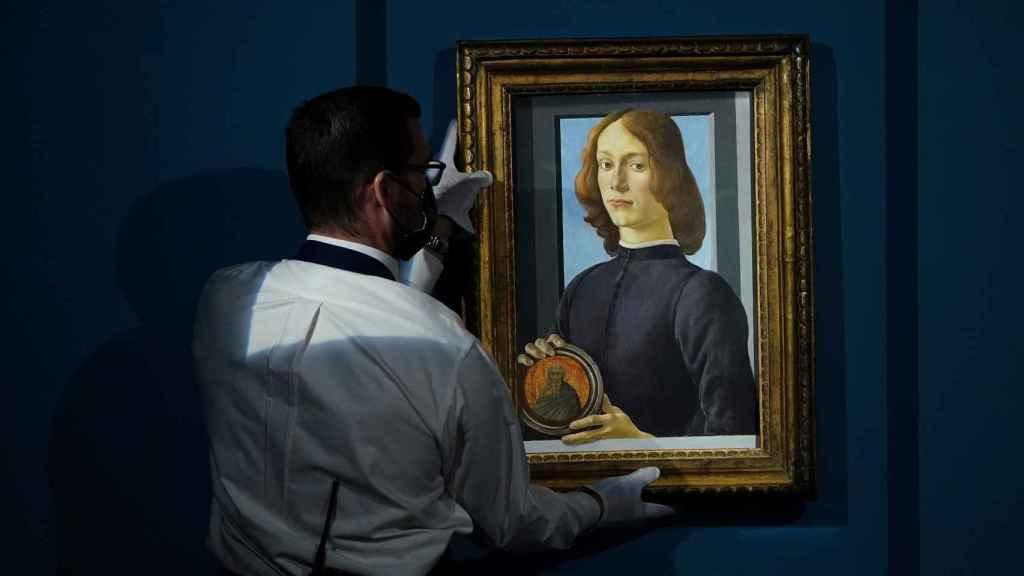 El retrato de Botticelli vendido por un precio récord.