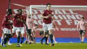 Axel Tuanzebe, Aaron Wan-Bissaka, Nemanja Matic y Harry Maguire, celebrando un gol del Manchester United