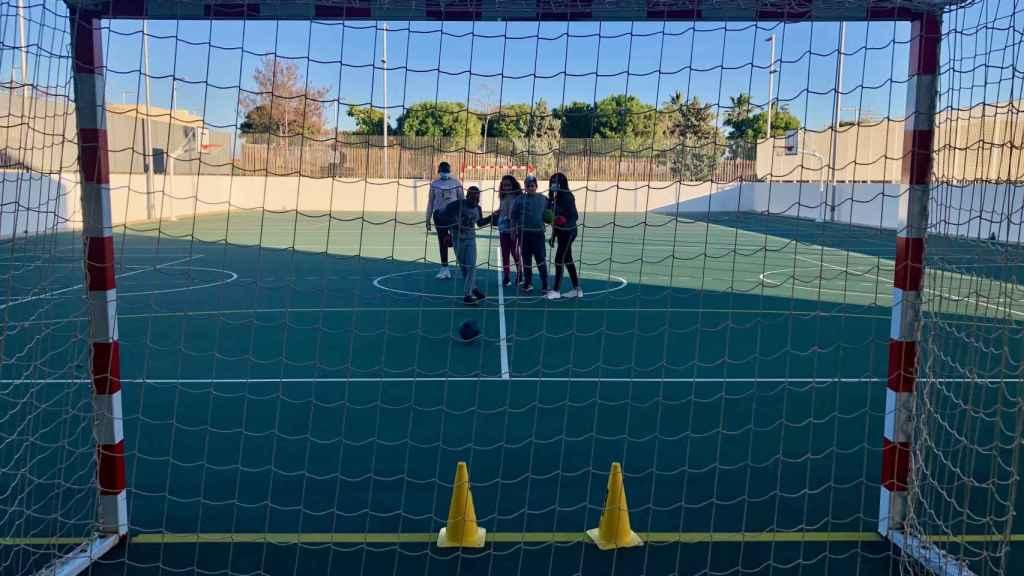 Niños practicando deporte en la Fundación Rafa Nadal