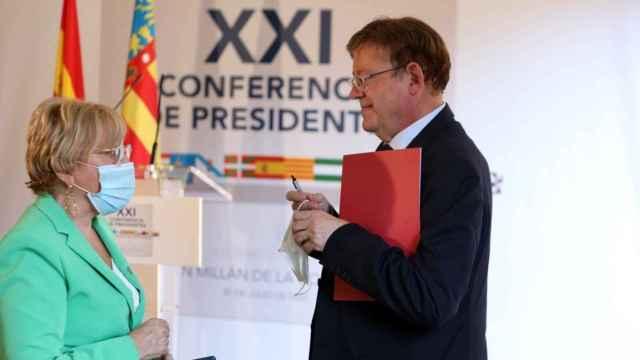Ana Barceló, consejera de Sanidad; y Ximo Puig, presidente de la Generalitat. EE