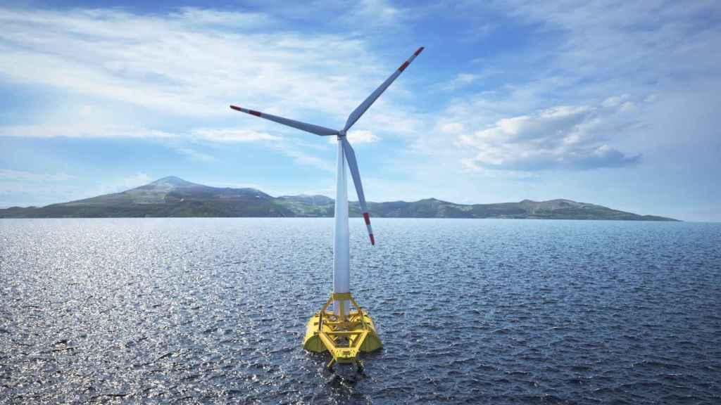 Molino de una instalación de energía eólica marina, en una imagen de archivo.