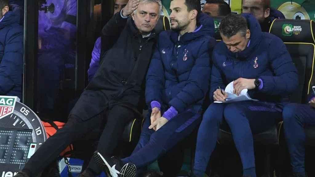 Mourinho y su cuerpo técnico
