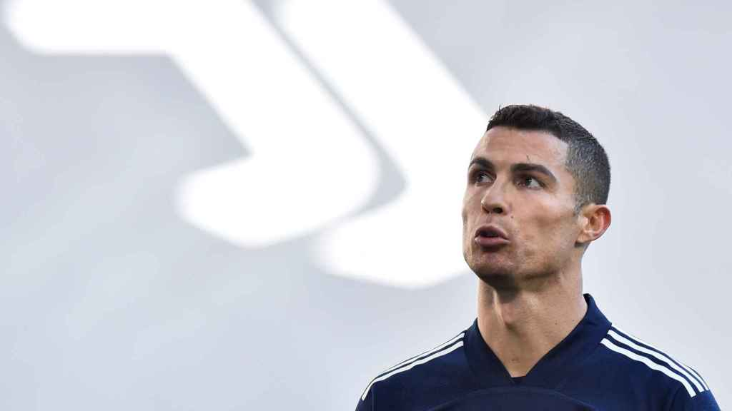 Cristiano Ronaldo calentando con la Juventus