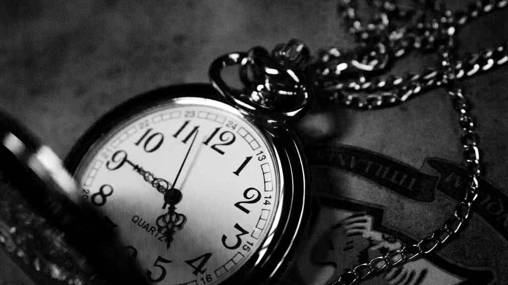 Un reloj, en una fotografía de archivo. Imagen: Jiyeon Park - Unsplash