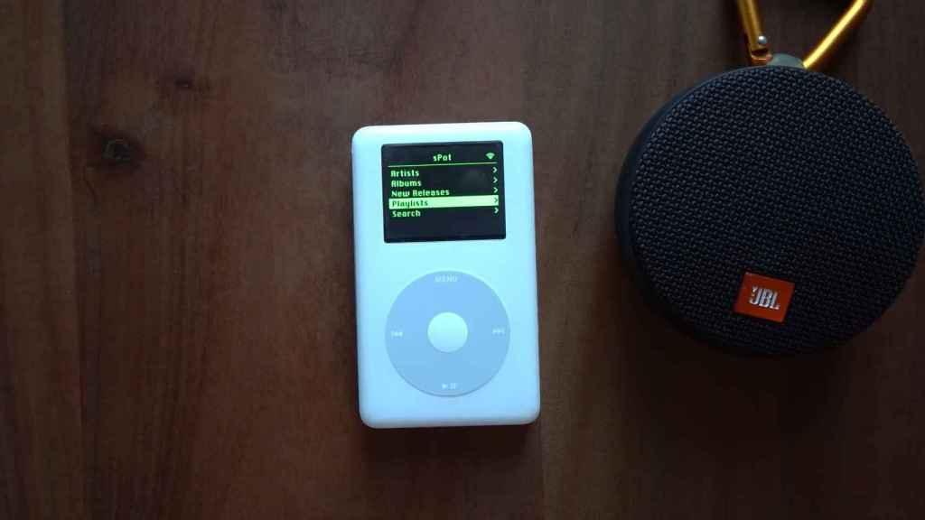 Un iPod clásico modificado para reproducir Spotify