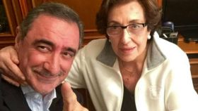 Carlos Herrera junto a su madre, Blanca Crusset, en una imagen del Twitter del periodista.