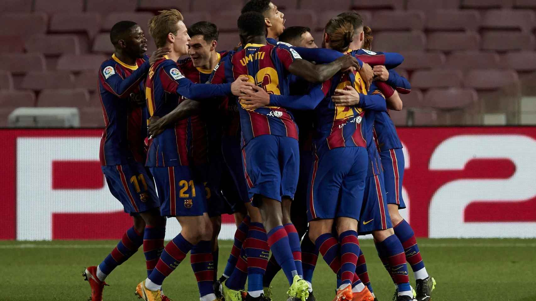 Los jugadores del FC Barcelona celebran el gol de Messi