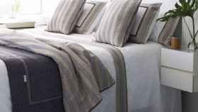 La cama se debe cubrir con tejidos nobles, con calidad y con fácil mantenimiento.