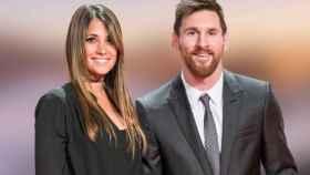 Antonela Roccuzzo y Lionel Messi, durante una premiación de fútbol en 2017.