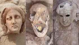 En el centro, una de las momias con una lengua de oro descubierta en Taposiris Magna.