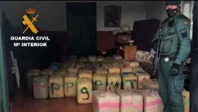 La Guardia Civil interviene 3.150 kilogramos de hachís en el marco de la 'Operación Impasible'.