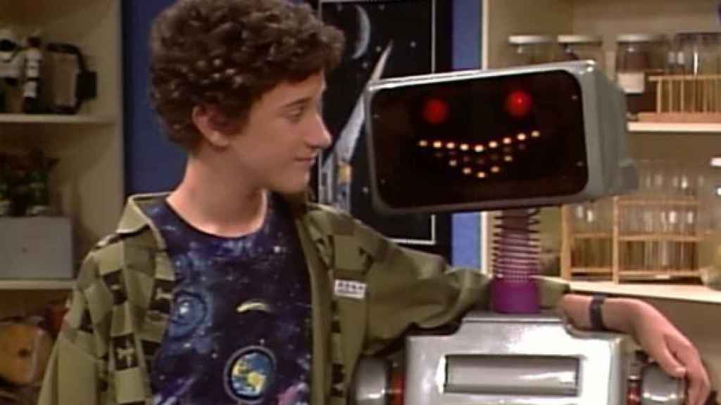 Screech y el robot Kevin en 'Salvados por la campana'
