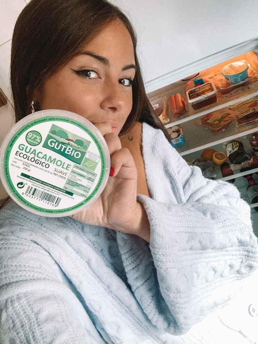Melyssa Pinto y su salsa favorita, el guacamole. En este caso, el Gut Bio, comerciado en Aldi.