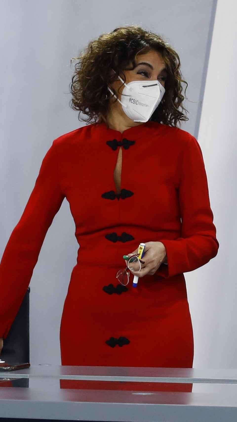 María Jesús Montero luciendo el vestido este martes.