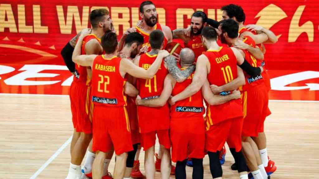 Los jugadores de la selección española de baloncesto masculino, celebrando el oro del Mundial de 2019