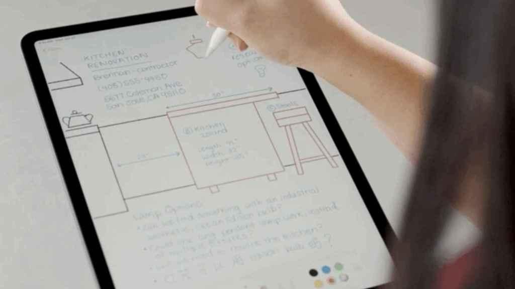 Apple Pencil escribiendo a mano.
